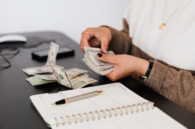Pożyczki online w 15 min czyli wszystko to co trzeba wiedzieć o uzyskaniu szybkiej gotówki